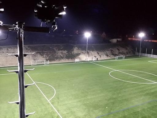 eclairage exterieur terrain de sport